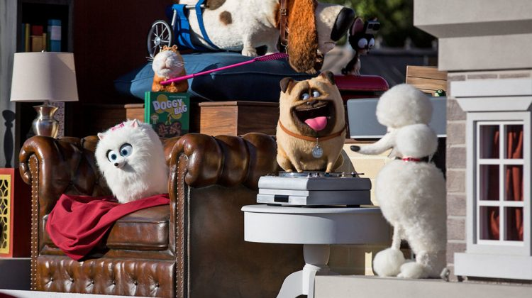 The Secret Life of Pets joins Universal's Superstar Parade with Two New Floats