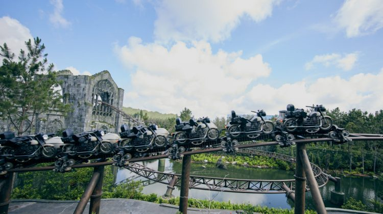 Hagrids Magical Creatures and Motorbike Adventure Ride Vehicle